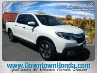 This 2017 Honda Ridgeline RTL-E is offered to you for