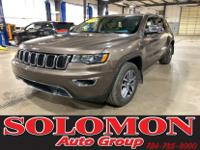 CERTIFIED! LEATHER, ROOF, NAV! THIS CERTIFIED 2017 JEEP