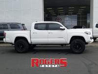 *Vehicle Details*This 2017 Toyota Tacoma has a V6, 3.5L