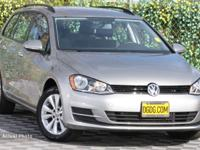 Volkswagen Certified Pre-Owned 2017 Volkswagen Golf
