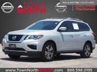 We are excited to offer this 2018 Nissan Pathfinder.