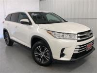 Blizzard Pearl 2019 Toyota Highlander LE FWD 6-Speed