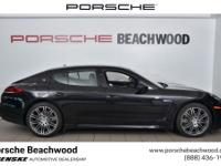 2015 Porsche Panamera 4Clean CARFAX. Odometer is 22906