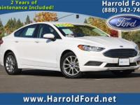 2017 Ford Fusion SE w/Moonroof Priced below KBB Fair