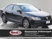 Step into the 2017 Volkswagen Jetta 1.4T SE! Top