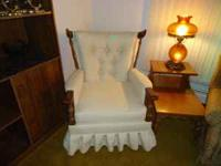 Country style rocking chair,white. perfect condition.