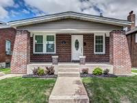 Charming Holly Hills bungalow with an affordable price