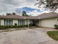 This estate features a 3BR/2.5 bath - 3500sqft main