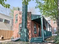 Charming Soulard carriage house in the middle of all