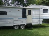 28 ft. Chateau fifth wheel in excellent condition.