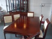 Perfect dinning room set in excellent condition $2600