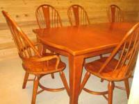 LARGE HEAVY DUTY BROYHILL CHERRY WOOD DINING TABLE WITH