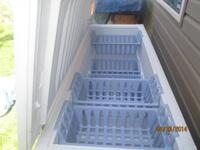 24.9 Cubic Feet Chest Freezer, excellent condition,