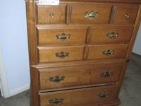 Gorgeous Tell City hardwood chest of drawers, excellent