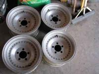 14 inch aluminum wheels fit chevelle one has some curb