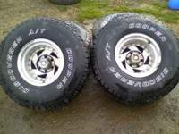 hi i have a set of 4 35s on american racing rims they