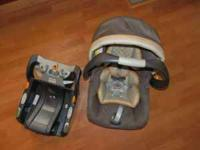 Chicco Infant Car Seat and Base in Excellent