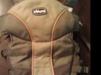 Chicco papoose, baby carrier, can be worn either on