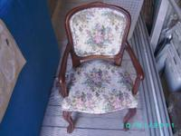 I am selling a 1885 Child's Captains Chair  measuring