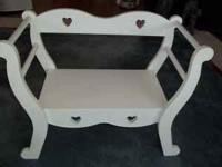 EXCELLENT condition great Christmas gift, white heart