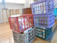 41/2 crates of gently made use of youngsters's books.