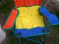 CHILDS CANVAS CAMPING CHAIR WITH BAG   LIGHTLY USED