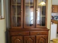 Very nice China Cabinet for Sale, moving and don't have