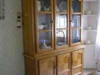Beautiful china cabinet. 2 pieces for easy move. Glass