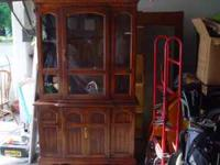 china cabinet.... good shape.... 80 bucks takes it....