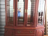 . This Ethan Allen china China cabinet is in remarkable