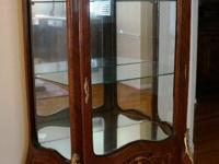 Selling this beautiful Display cabinet/ China cabinet