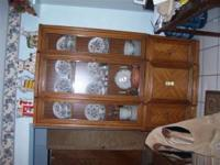 1970's china hutch in very good condition contact @