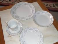service for 12 (5 place setting ) also included