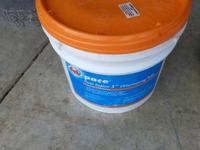 24.5Lb bucket of Chlorinating tablets ( only used a