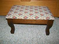 UNIQUE VINTAGE ELECTRIC HEATED FOOTSTOOL - KNOW ANYONE