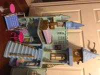 Cinderella doll house comes with all the furniture that