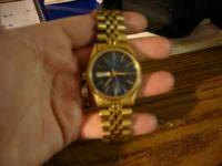 NICE GOLD CITIZEN WATCH FOR A MAN PLEASE CALL AMANDA