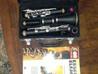Very gently used clarinet with Essential Elements