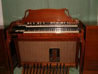 A well kept Hammond Body organ in fantastic condition