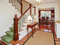 Classic And Gracious Plandome Colonial With 6 Bedrooms