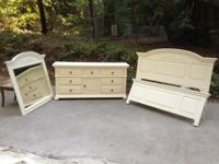 This stunning set is a 9 drawer dresser with matching