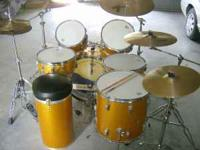 Sparkling Gold American made drum set.. 1963 Ludwig