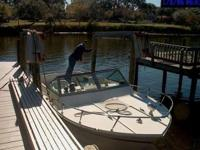 Description This Great Boat 23 footer with a