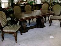 CLASSIC DINING ROOM TABLE & CHAIRS, NEW FROM ART VANS
