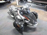 CLEAN 2011 CAN-AM SPYDER RS-S SE5 WITH ONLY 2,089