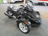 CLEAN 2013 CAN-AM SPYDER RS SM5 WITH ONLY 6,863 MILES!