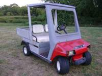 FOR SALE: 1995 GAS CLUB CARRYALL GOLF CART. HAS A TOP
