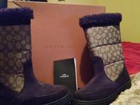 COACH Boots w/ certificate n box. New never worn,Sz