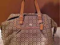 Small coach signature duffle bag, like new. Cash or