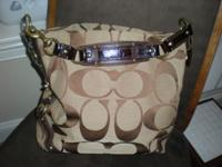 BEAUTIFUL AUTHENTIC COACH HANDBAG...NEW EXCELLENT